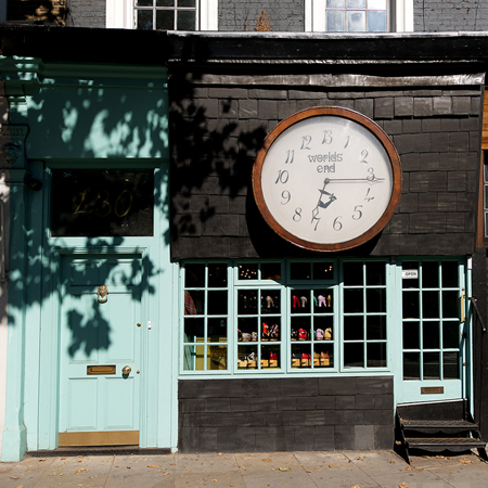 The clock of Worlds end shop(逆回転する時計)